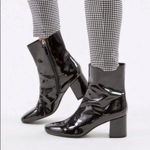 NWT Urban Outfitters Alana Patent Leather Boots 8